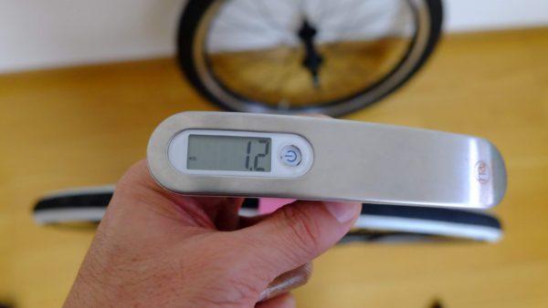 自転車タイヤの重量